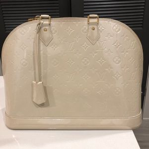 Louis Vuitton Alma Monogram Vernis